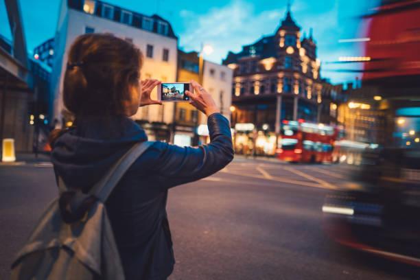 Tourist in london taking photos picture id869033142?b=1&k=6&m=869033142&s=612x612&w=0&h=gfslcwptax8w4qorkbox6qabuir6nuz5nghiysbm5 8=