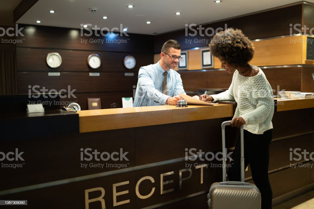 Register der Touristen im hotel – Foto