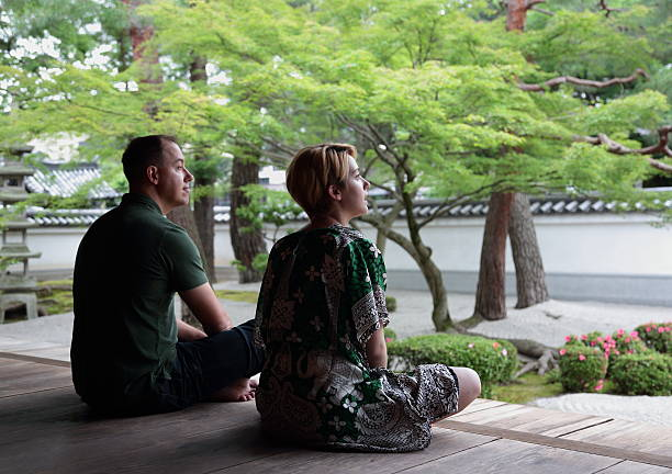 tourist relax in japanese temple - 寺院 ストックフォトと画像
