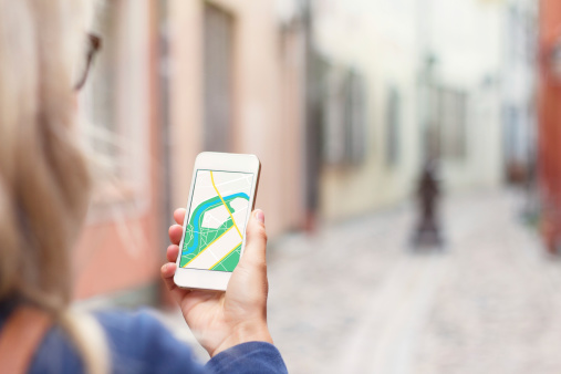 Touristen Die Navigation Auf Dem Handyapp Stockfoto und mehr Bilder von Aktivitäten und Sport