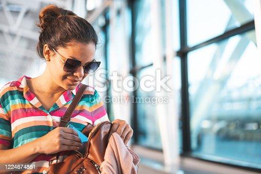 Tourist, Technology, Terminal, Day, Smart Phone