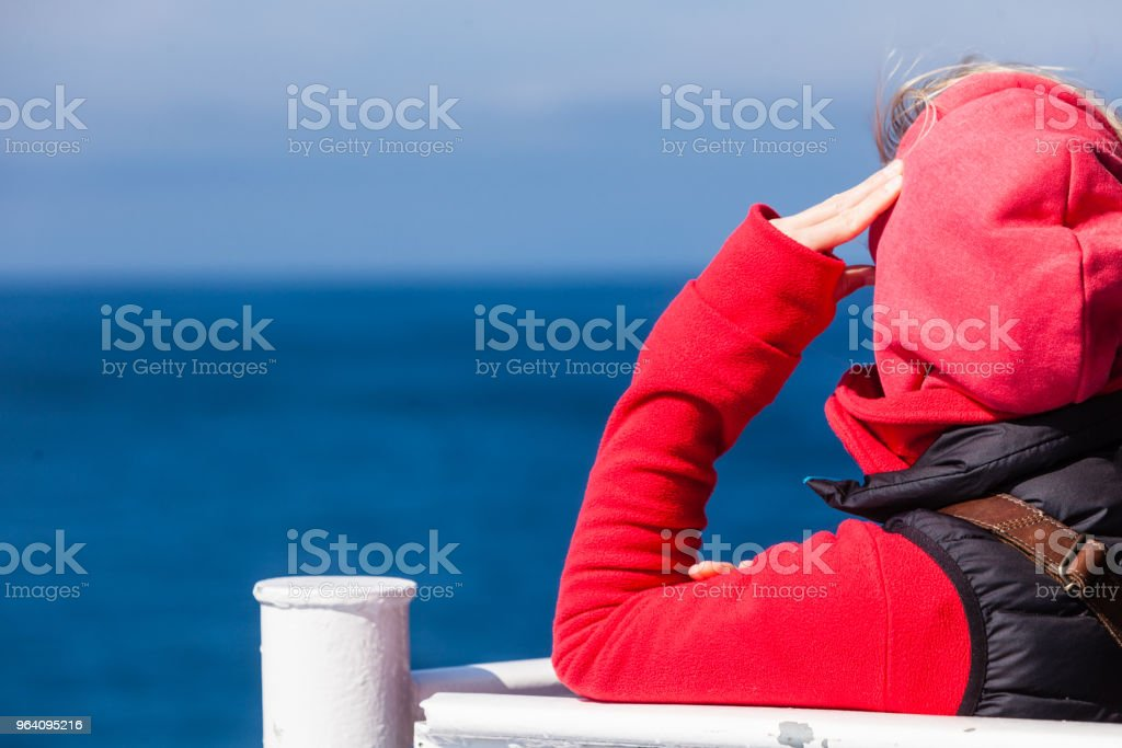 Tourist woman on liner seascape background - Royalty-free Adult Stock Photo