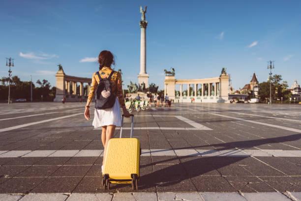 Touristin zu Besuch in Budapest – Foto