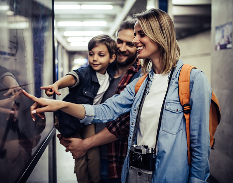istock Touristic family in subway 942996934
