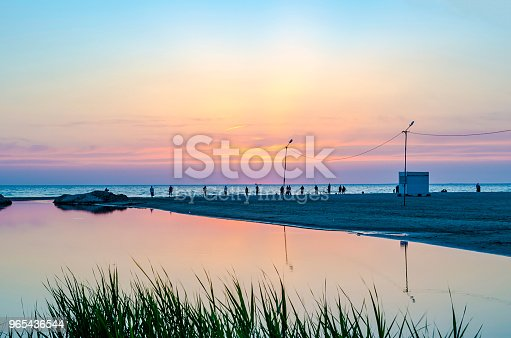 Tourists And Fishermen Are On The Black Sea And Admire The Sunset - Stockowe zdjęcia i więcej obrazów Bez ludzi