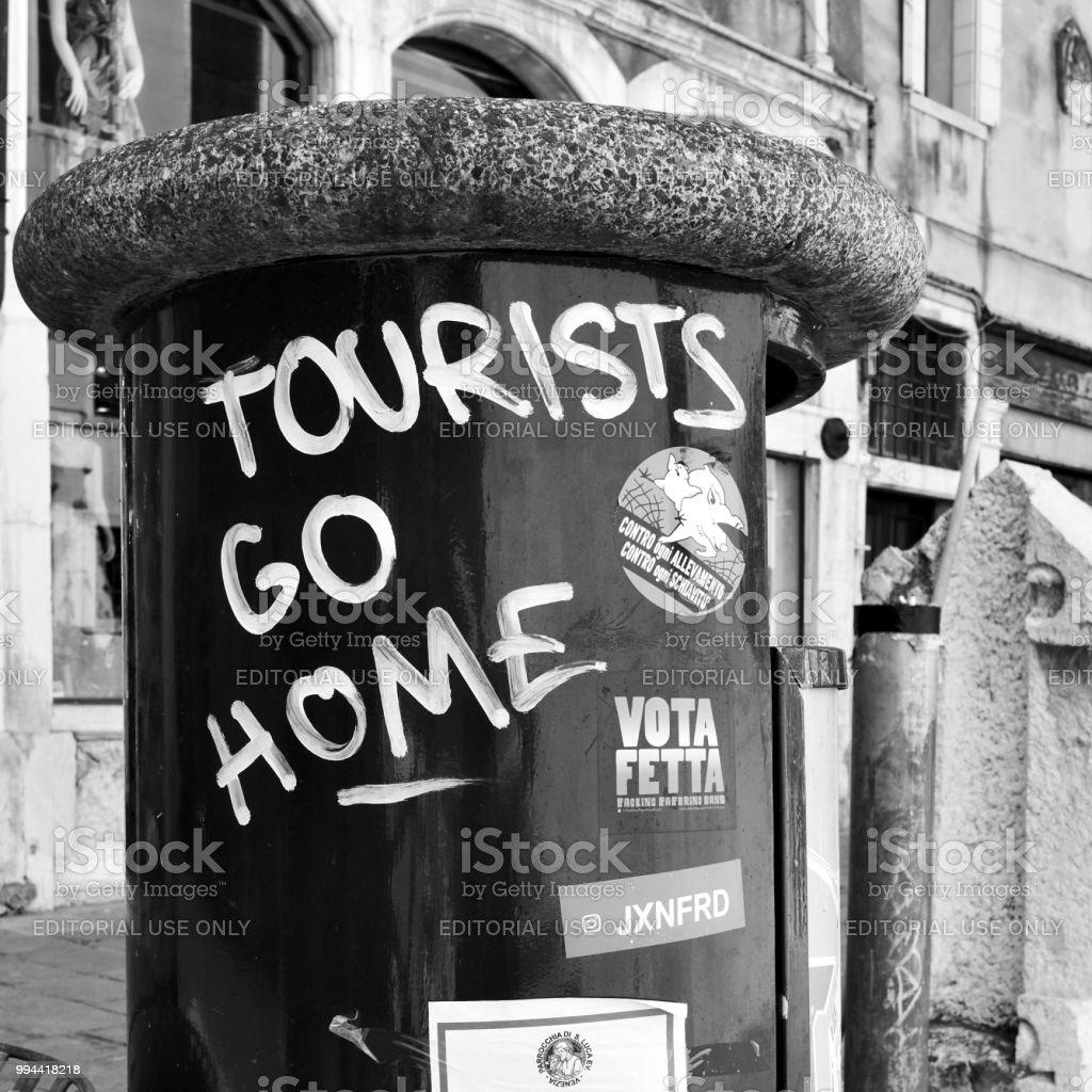 Les touristes rendre chez Graffiti à Venise - Photo
