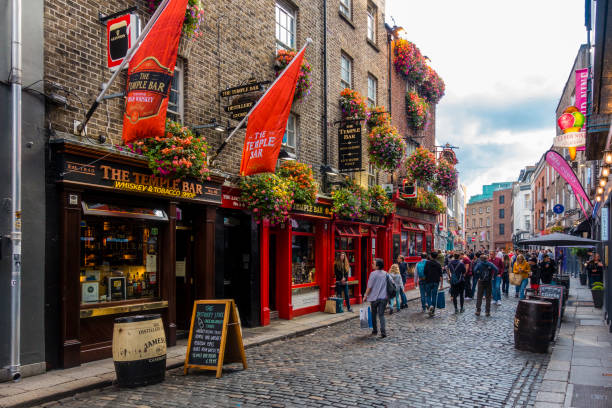 Touristen in der Temple Bar in Dublin Bereich – Foto