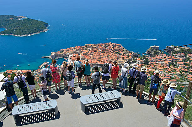 Tourists Viewing Dubrovnik – Foto