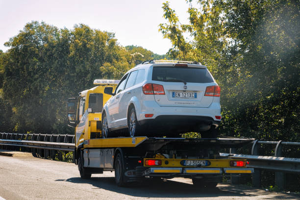 Best Tow Truck Stock Photos, Pictures & Royalty-Free Images - iStock