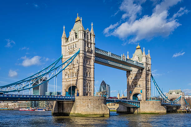 Tower Bridge in London, England / United Kingdom Tower Bridge in London, England / United Kingdom bascule bridge stock pictures, royalty-free photos & images