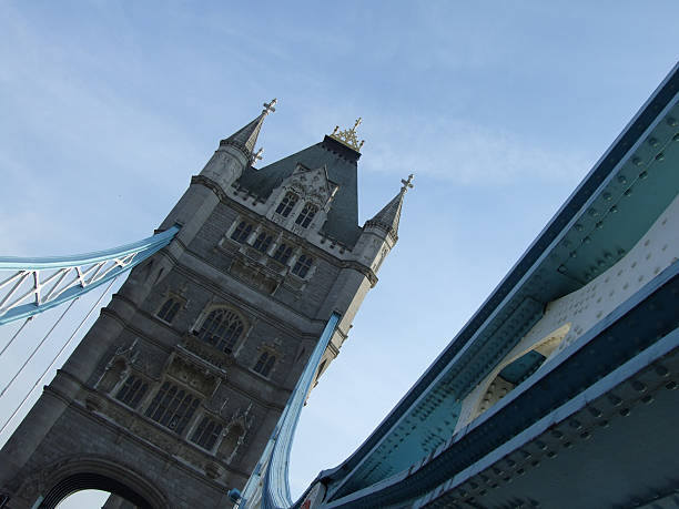 tower bridge in london - belkindesign stock pictures, royalty-free photos & images