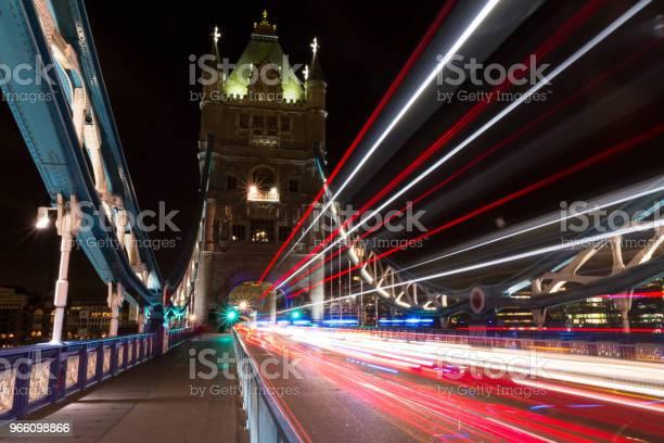 Tower Bridge-foton och fler bilder på Arkitektur