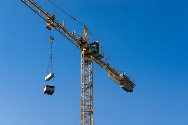 tower crane and sky - foto stock