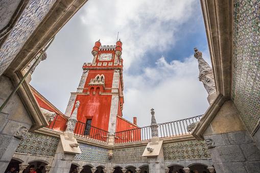 Toren In Pena Paleis Van Sintra Stockfoto en meer beelden van Architectuur