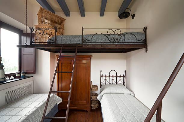 tower, luxus-apartments - etagenbett weiss stock-fotos und bilder