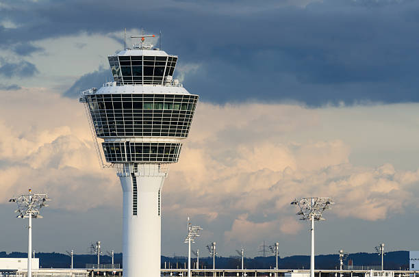 Turm in München-Flughafen – Foto