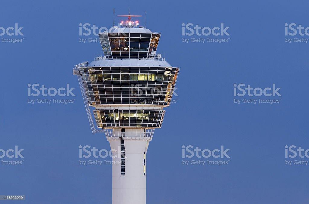 Torre de aeropuerto de Munich - foto de stock