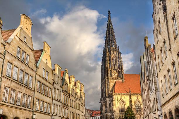 Turm Saint Lamberti Kirche in Münster, Deutschland – Foto