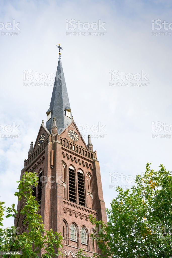toren van Sint Lambertus Kerk in Haaren, Nederland foto