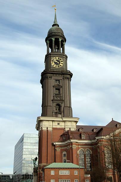Turm von St. Michaelis-Kirche – Foto