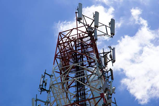tower - emissione radio televisiva foto e immagini stock