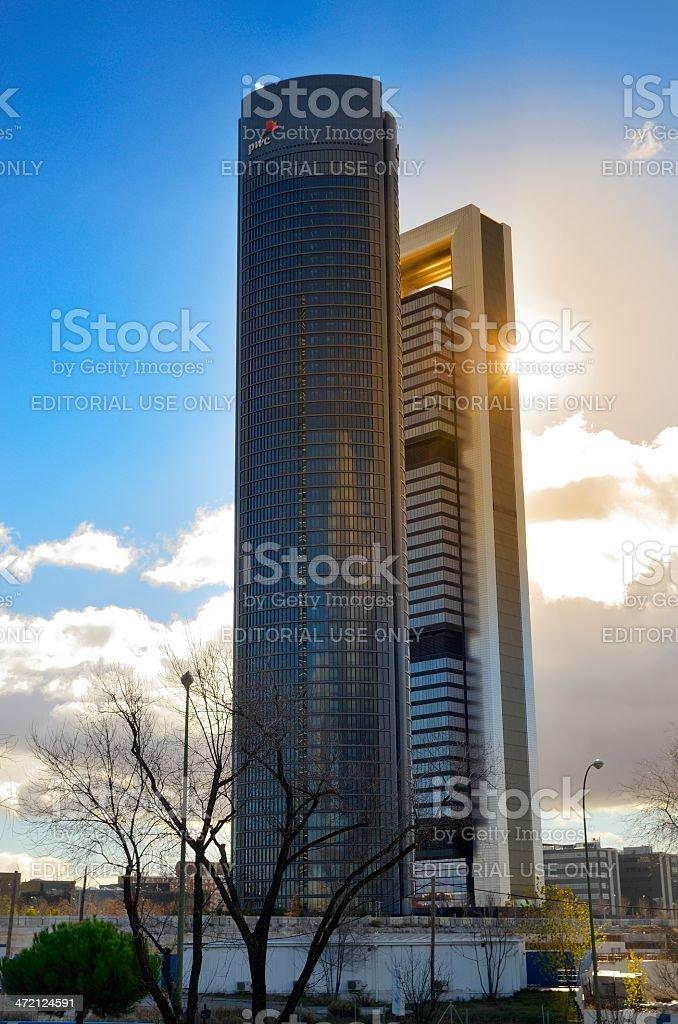 Towers y sol - foto de stock