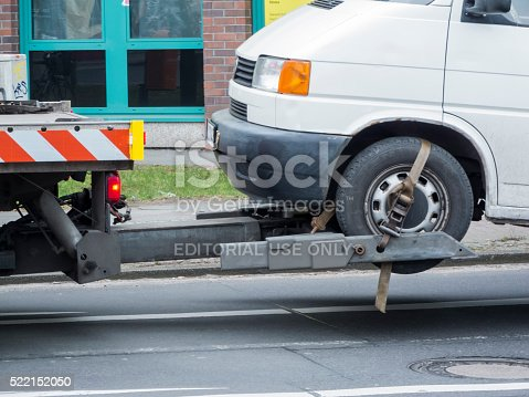 istock Towing service 522152050