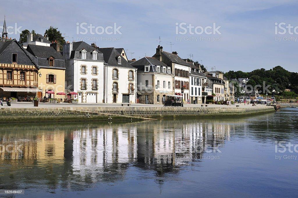 La ciudad y al río de Auray en Francia - foto de stock