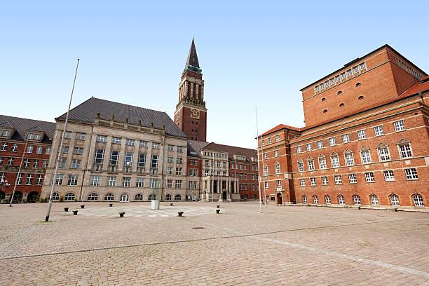 town hall und theater kiel, deutschland - kiel stock-fotos und bilder