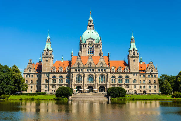 Town Hall Hanover, Germany Maschpark with town hall Hanover, Germany lower saxony stock pictures, royalty-free photos & images
