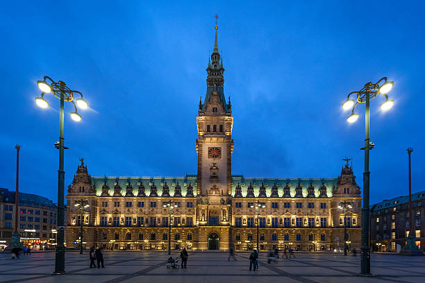 Town hall of the Hanseatic city Hamburg Germany by night Town hall of the Hanseatic city of Hamburg Germany by night. Hamburg is the second greatest German city. It has very developed industry and transport (harbour). duitsland stock pictures, royalty-free photos & images