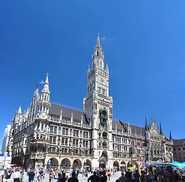 town hall on marienplatz - munich, germany - münchens nya rådhus bildbanksfoton och bilder