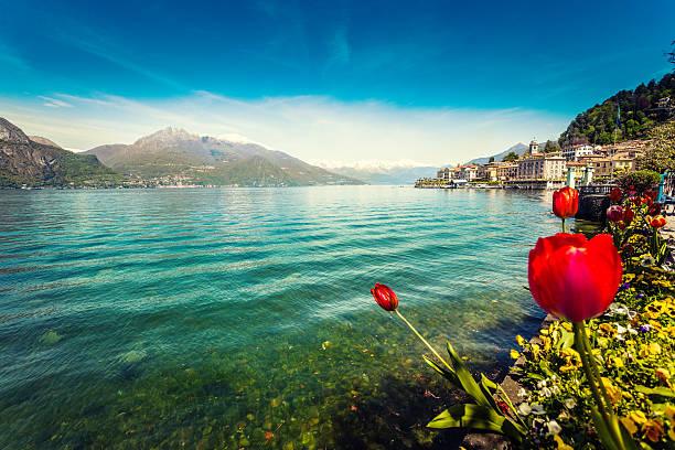 town of bellagio on como lake in spring, italy - como italië stockfoto's en -beelden