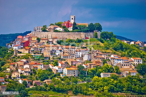 istock Town of Motovun on picturesque hill 639977410
