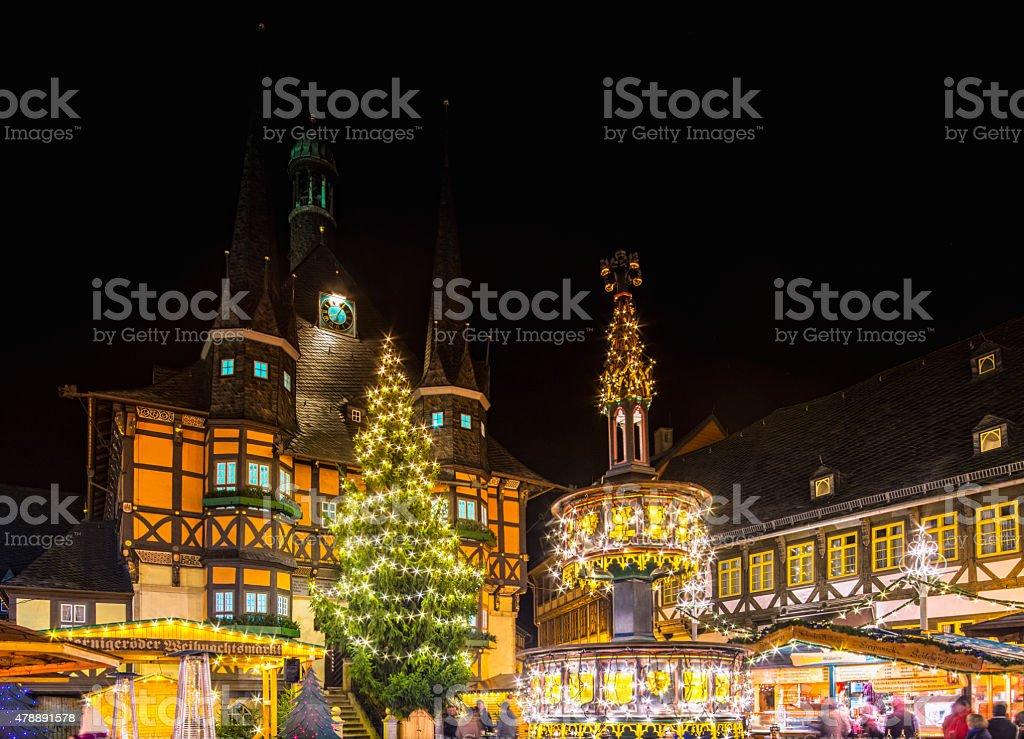 Wernigerode Weihnachtsmarkt.Town Square Und Der Weihnachtsmarkt Wernigerode Stockfoto Und Mehr