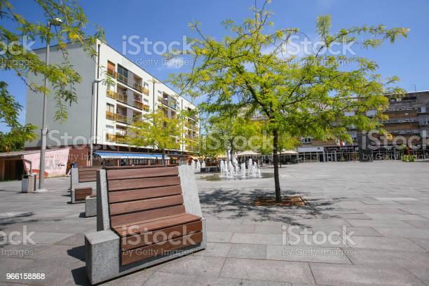 Town Square In Zupanja — стоковые фотографии и другие картинки Без людей