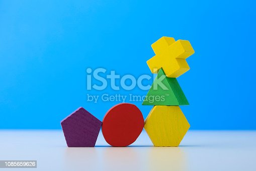 90871912istockphoto Toy wooden blocks 1085659626