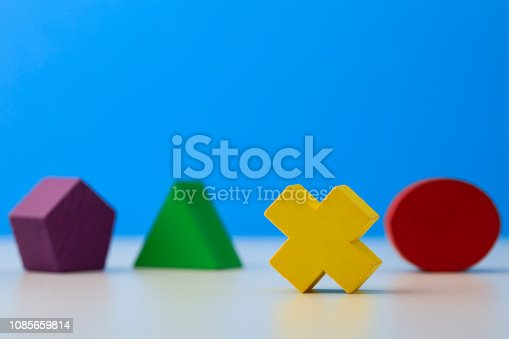 90871912istockphoto Toy wooden blocks 1085659814