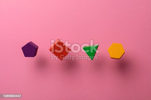 90871912istockphoto Toy wooden blocks 1085660442