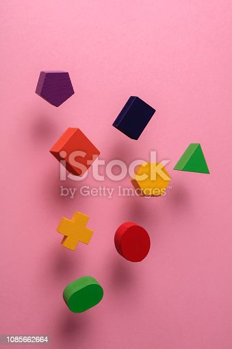 90871912istockphoto Toy wooden blocks 1085662664