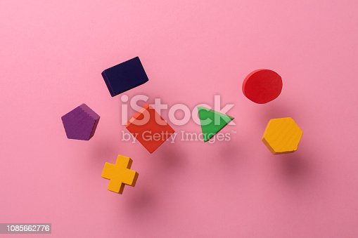 90871912istockphoto Toy wooden blocks 1085662776