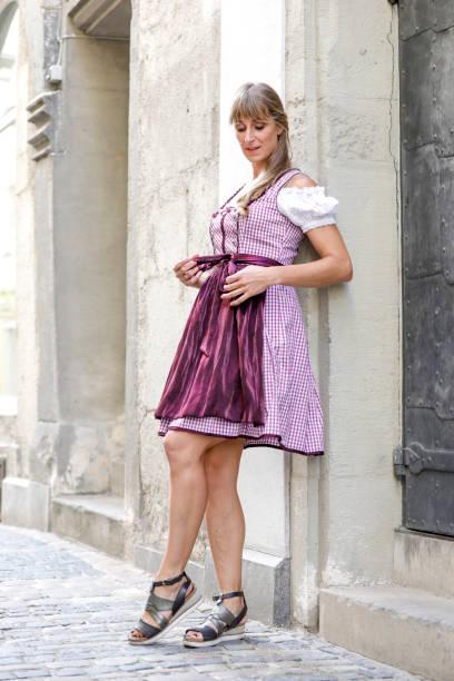 tracht-street style - moderne dirndl stock-fotos und bilder