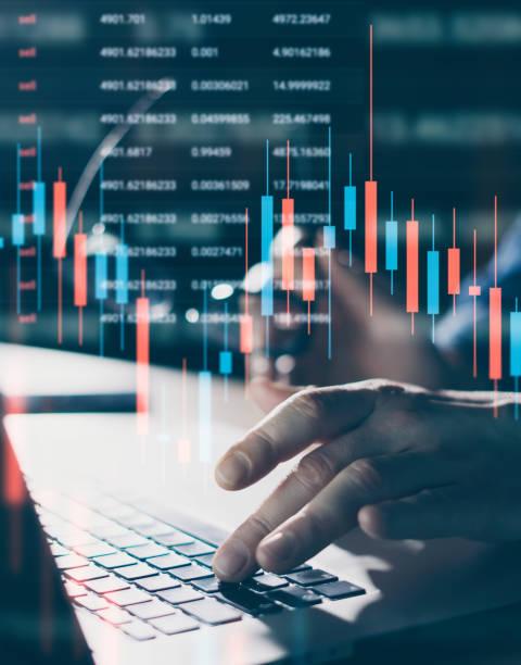 工作中的交易者 - 金融與經濟 個照片及圖片檔