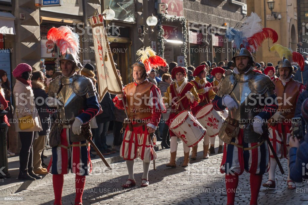 Tradition parade of Epiphany Befana medieval festival in Florence, Tuscany, Italy. - foto stock