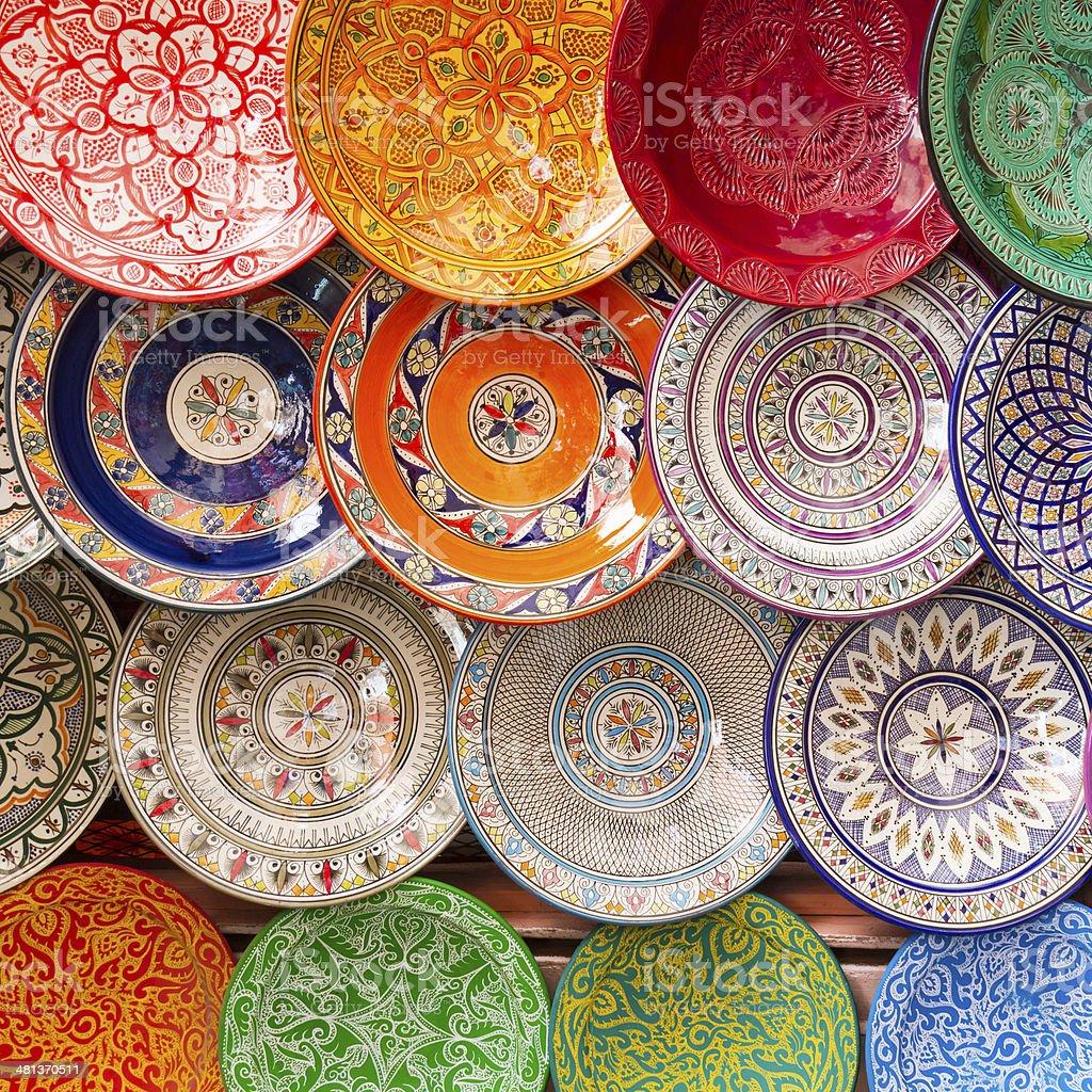 Traditionelle arabische bunten Ton Gerichte. Lizenzfreies stock-foto