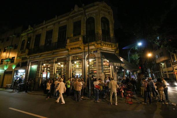 traditional bar founded by portuguese is part of the carioca culture - samba imagens e fotografias de stock