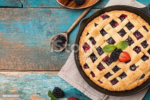 istock Traditional berry pie 895993902