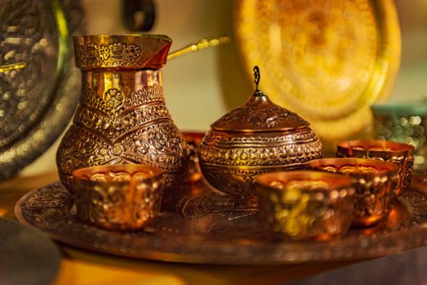 Traditioneller bosnischer oder türkischer Kaffee set in Sarajevo, Bosnien und Herzegowina – Foto
