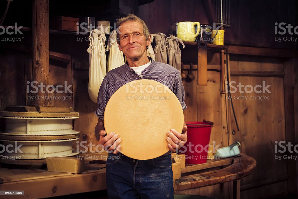 Traditionelle cheesemaking Lizenzfreies stock-foto
