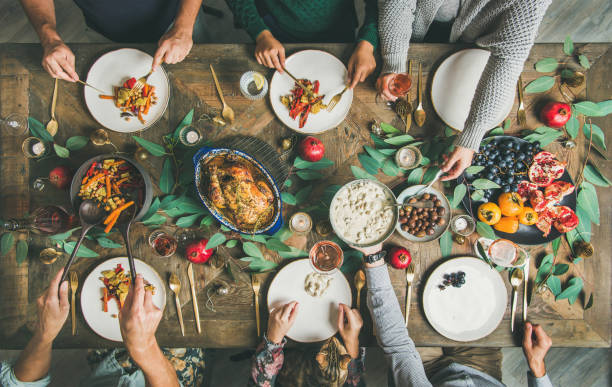 traditional christmas, new year holiday celebration party dinner - kolacja spotkanie towarzyskie zdjęcia i obrazy z banku zdjęć